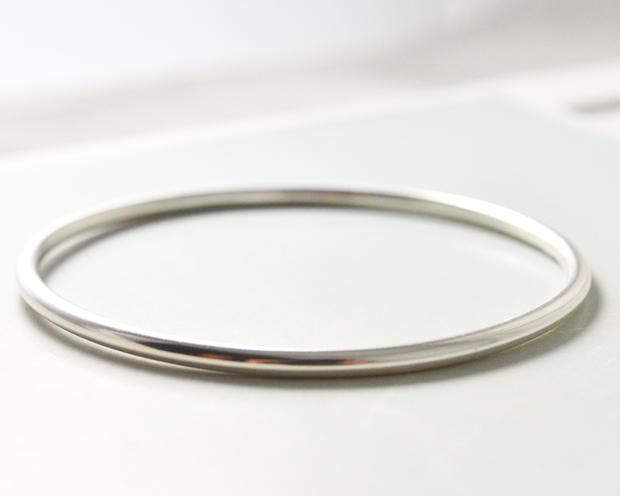 Thin Silver Bangle Jocale Design