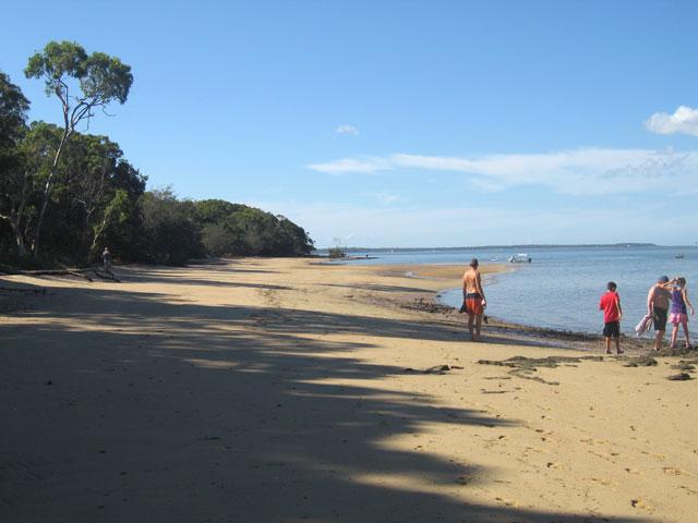 Coochiemudlo Island beaches