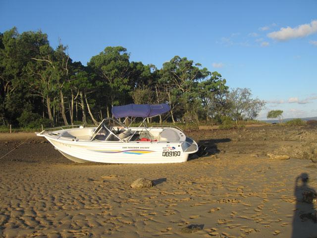 Coochiemudlo Boat